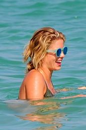 Emily Bett Rickards Bikini Candids - On the Beach in Miami, 1/2/2016