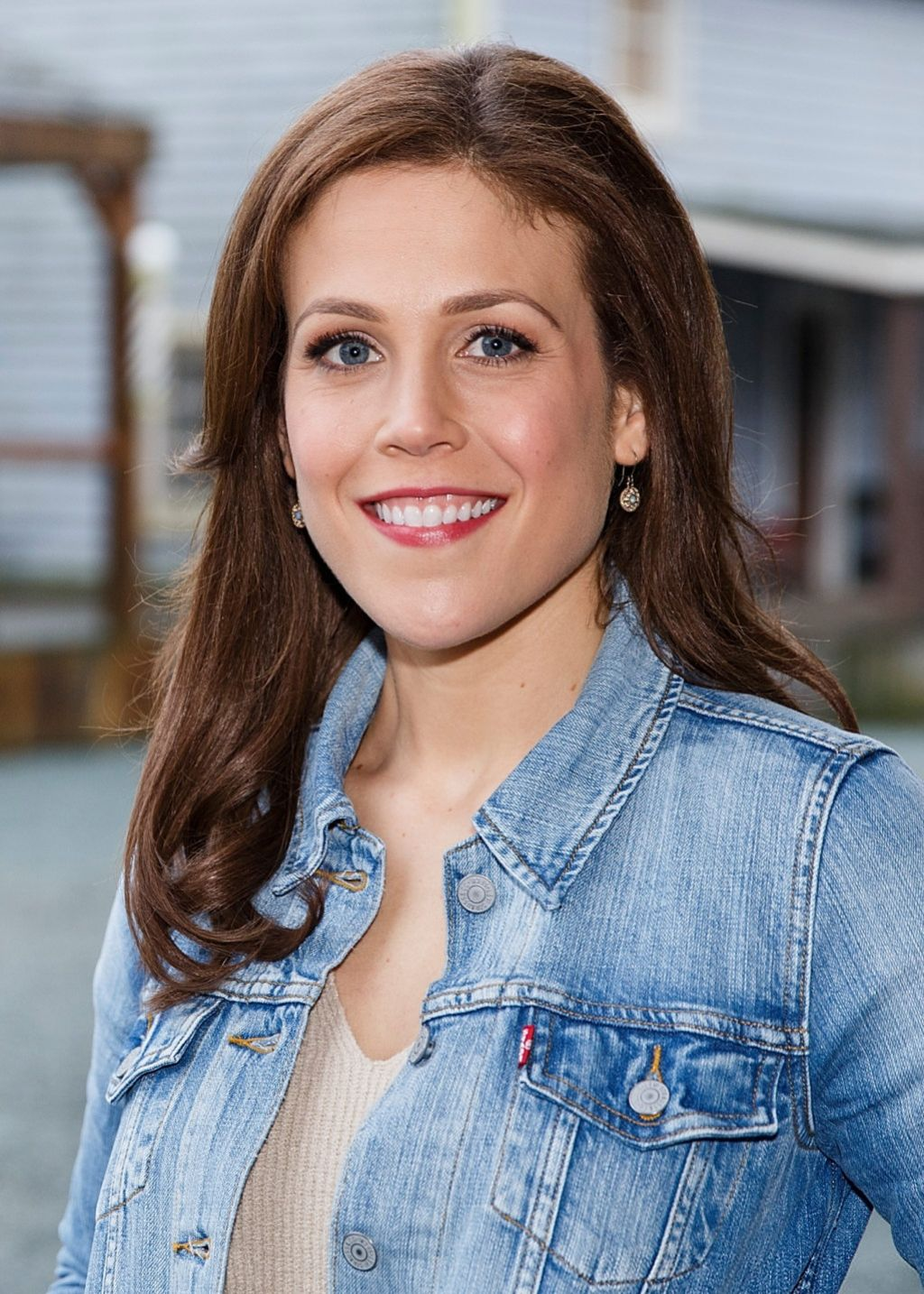 Erin Krakow On Pinterest | Auto Design Tech - photo#23
