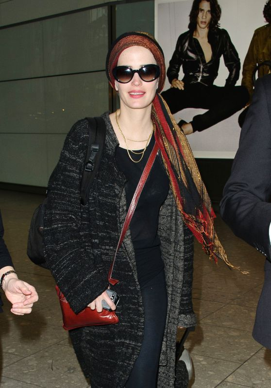 Eva Green Airport Style - at Heathrow in London 01/12/2016