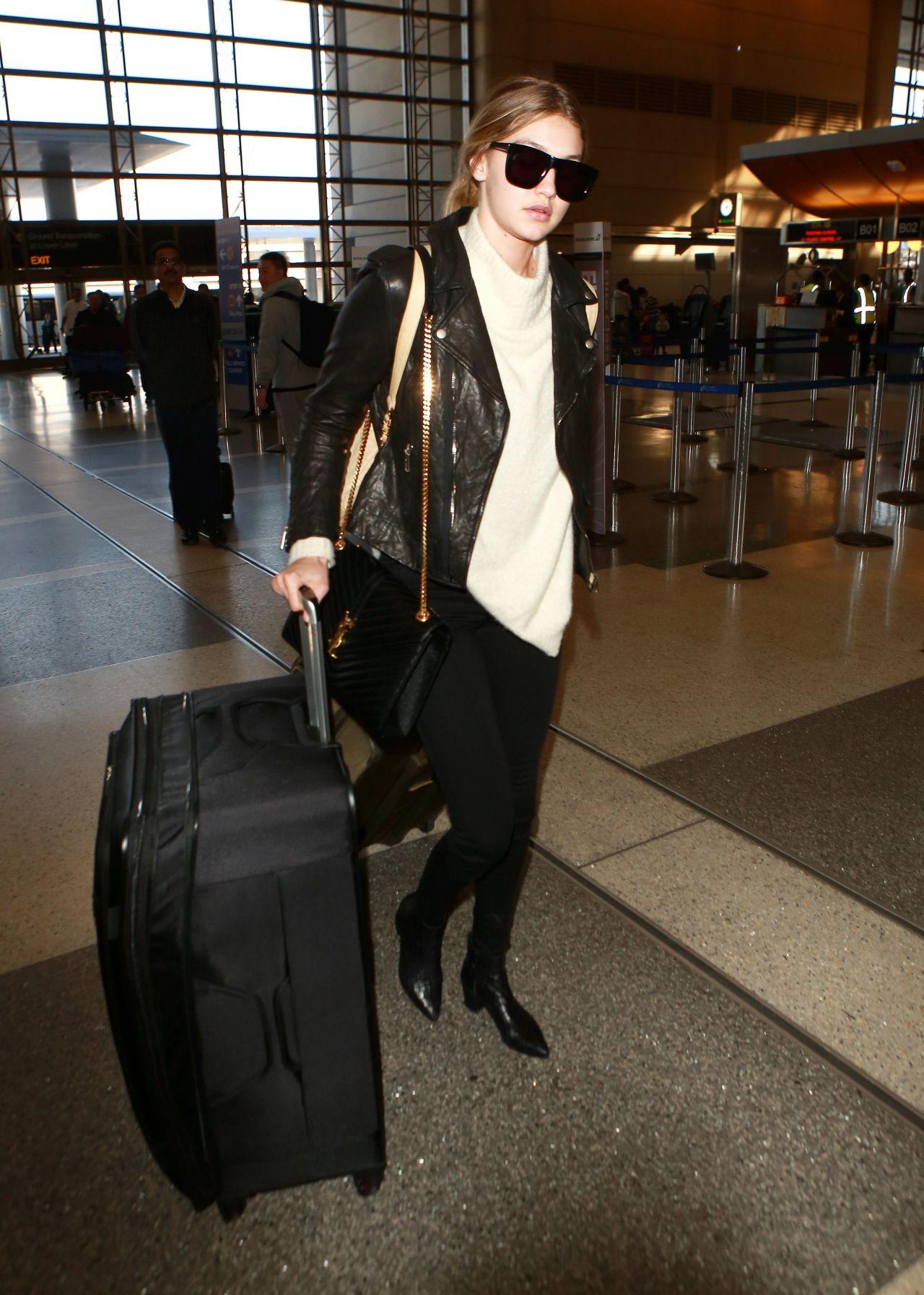 Gigi hadid at lax airport in los angeles naked (45 photo)