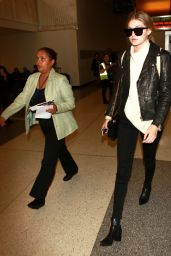 Gigi Hadid Airport Style - LAX in Los Angeles 01/15/2016