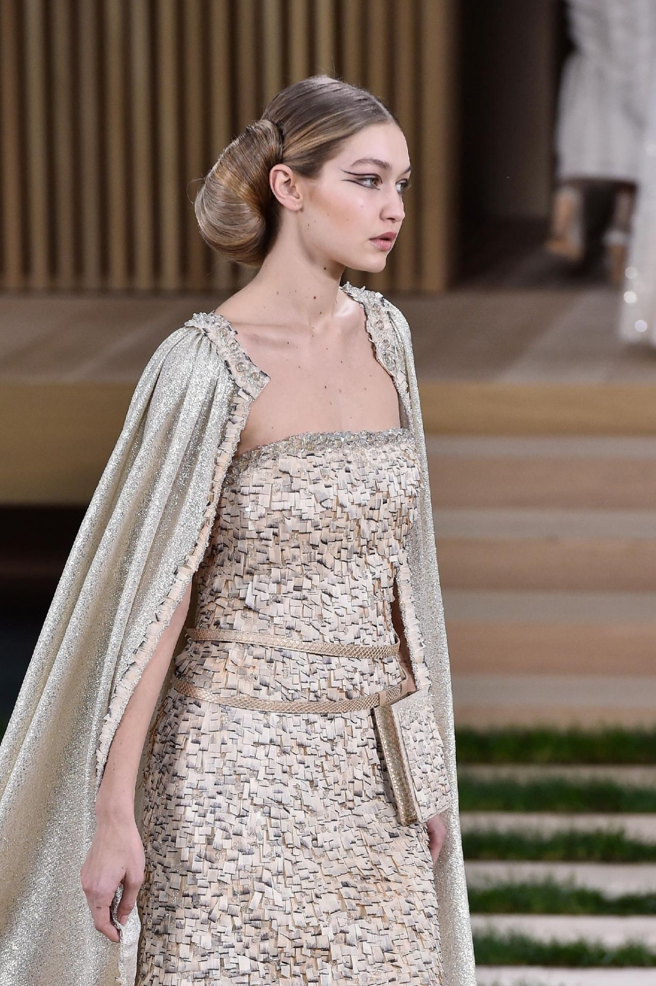 Hadid – Chanel Haute Couture Spring Summer 2016 Fashion Show in ...