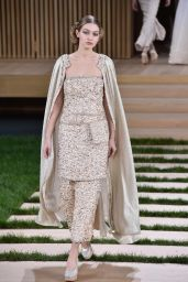 Gigi Hadid – Chanel Haute Couture Spring Summer 2016 Fashion Show in Paris 1/26/2016