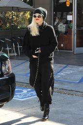 Gwen Stefani Street Fashion - Out in West Hollywood 12/30/2015