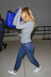 Gwynneth Paltrow Airport Style - LAX in Los Angeles, January 2016