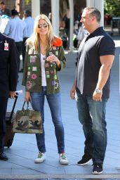 Heidi Klum - Street Style - Out in Sidney 1/20/2016