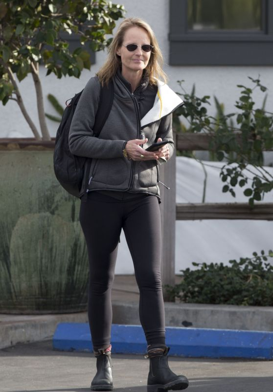 Helen Hunt Casual Style - Leaving Starbucks in Los Angeles, January 2016