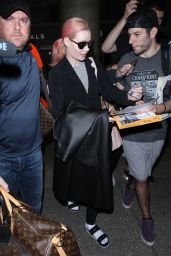 Iggy Azalea Gets Mobbed by Fans - Arrives at LAX Airport 1/28/2016