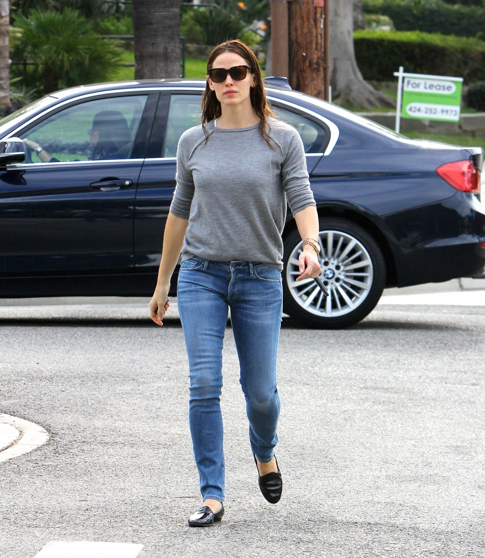 Jennifer Garner in Jeans - Out in Brentwood 1/29/2016