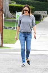Jennifer Garner in Jeans - Out in Brentwood 1/29/2016