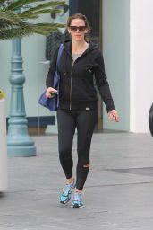 Jennifer Garner in Tights - Leaving the Gym in Brentwood 1/19/2016
