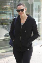 Jennifer Garner in Tights - Leaving the Gym in Brentwood 1/19/2016