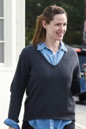 Jennifer Garner No Make Up - Out Brentwood 1/3/2016