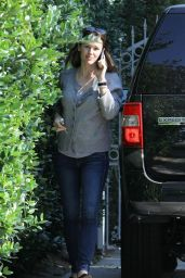 Jennifer Garner - Out in Brentwood 1/25/2016