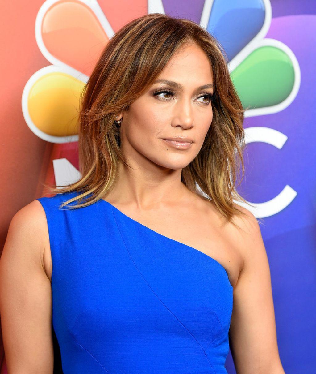 Jennifer Lopez - 2016 Winter TCA Tour in Pasadena, Day 9