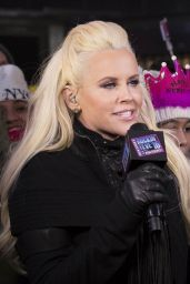 Jenny McCarthy - Times Square, NYC 12/31/2015
