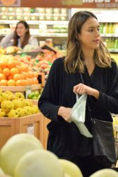 Jessica Alba - Shopping in Beverly Hills 1/10/2016