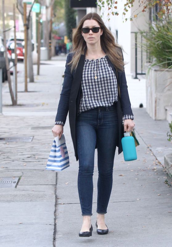 Jessica Biel in Tight Jeans - Out in Los Angeles 1/16/2016