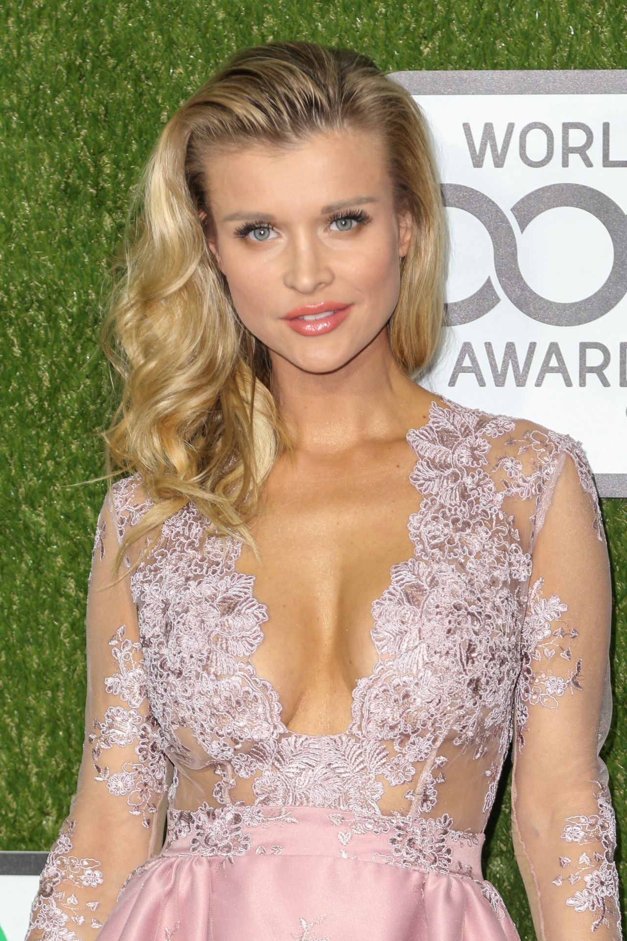 Joanna Krupa 2016 World Dog Awards In Santa Monica