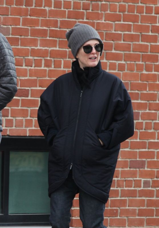 Julianne Moore Street Style - Out in New York City, NY 1/3/2016