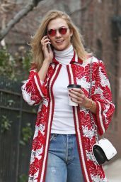 Karlie Kloss Street Style - Out in New York City, 01/22/2016