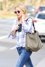 Kate Hudson Street Style - Out in Los Angeles 1/11/2016