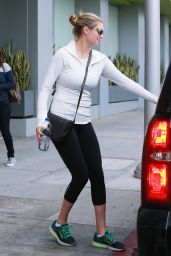 Kate Upton - Leaving a Pharmacy in Beverly Hills 1/14/2016