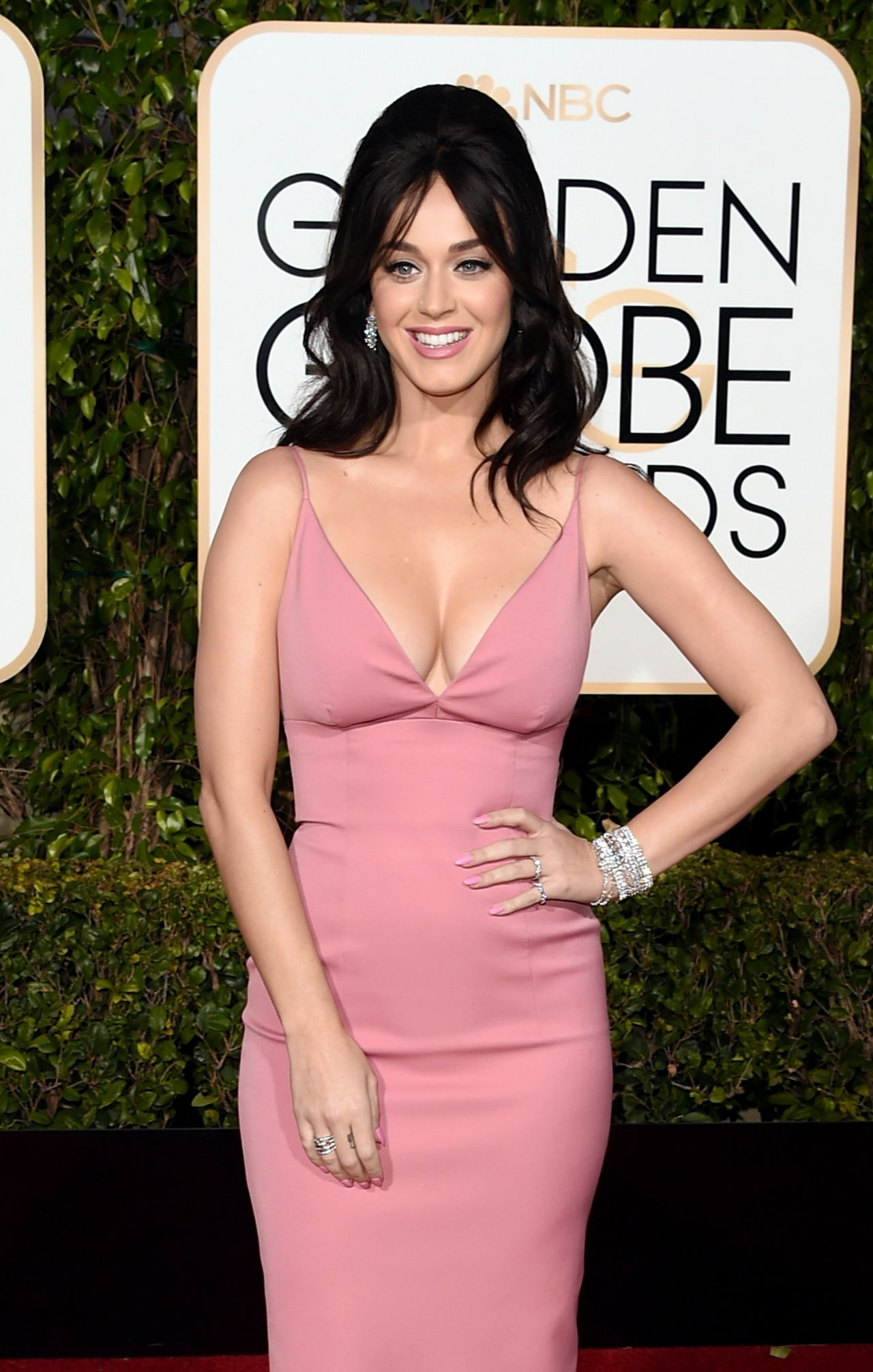Katy Perry – 2016 Golden Globe Awards in Beverly Hills Katy Perry