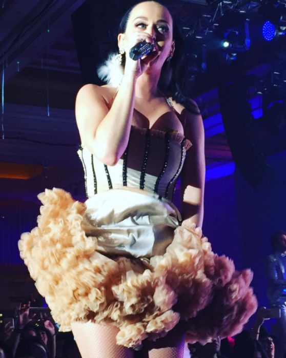 Katy Perry – Performing at a Private New Years Eve Show in ...