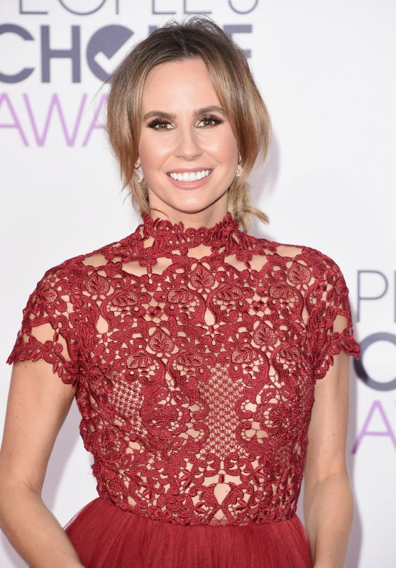 Keltie Knight – 2016 People's Choice Awards in Microsoft Theater in Los Angeles
