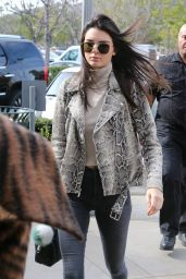 Kendall Jenner Casual Style - at Williams-Sonoma in Calabasas 1/14/2016