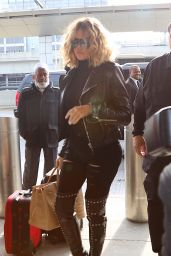 Khloe Kardashian at JFK Airport in New York City, 1/15/2016