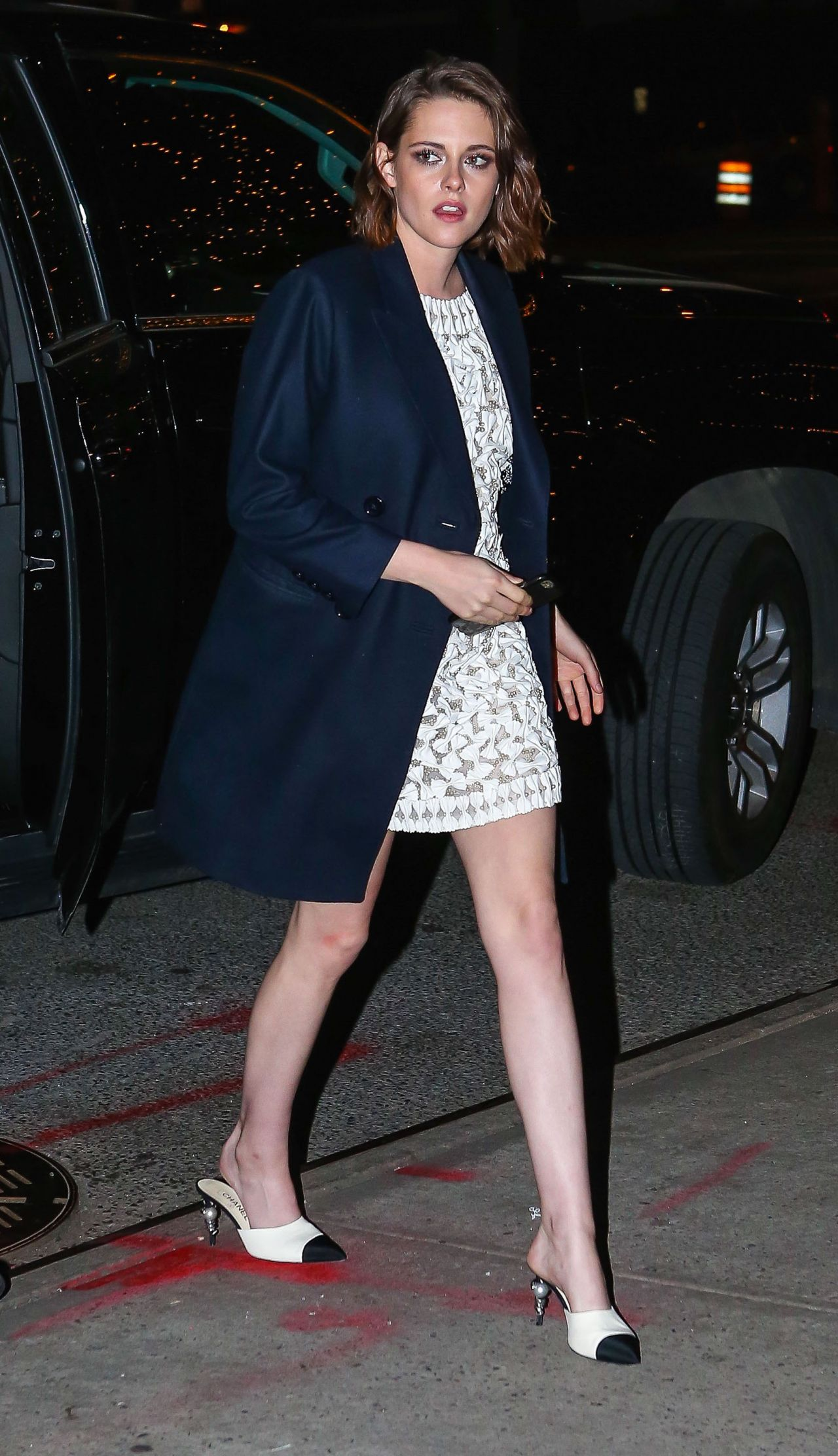Kristen Stewart Arriving At The Bowery Hotel In New York
