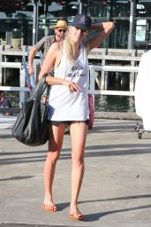 Lara Stone Summer Style - Out in Sydney 1/19/2016