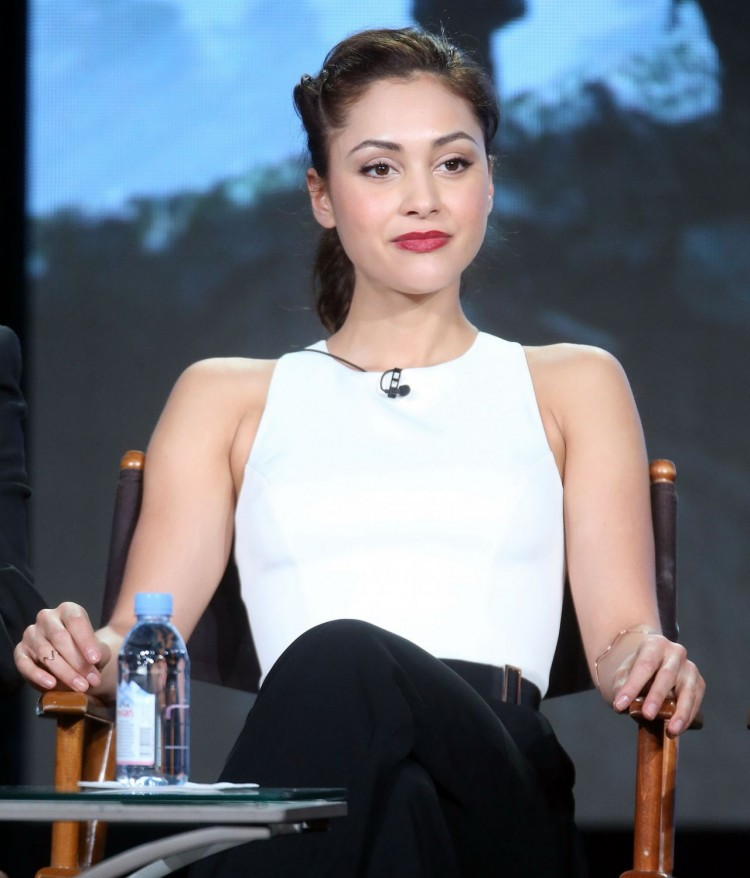 lindsey-morgan-the-100-panel-2016-winter-tca-tour-in-pasadena-ca-2