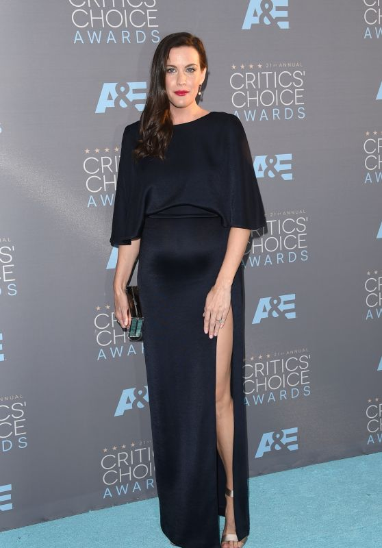 Liv Tyler on Red Carpet – 2016 Critics' Choice Awards in Santa Monica