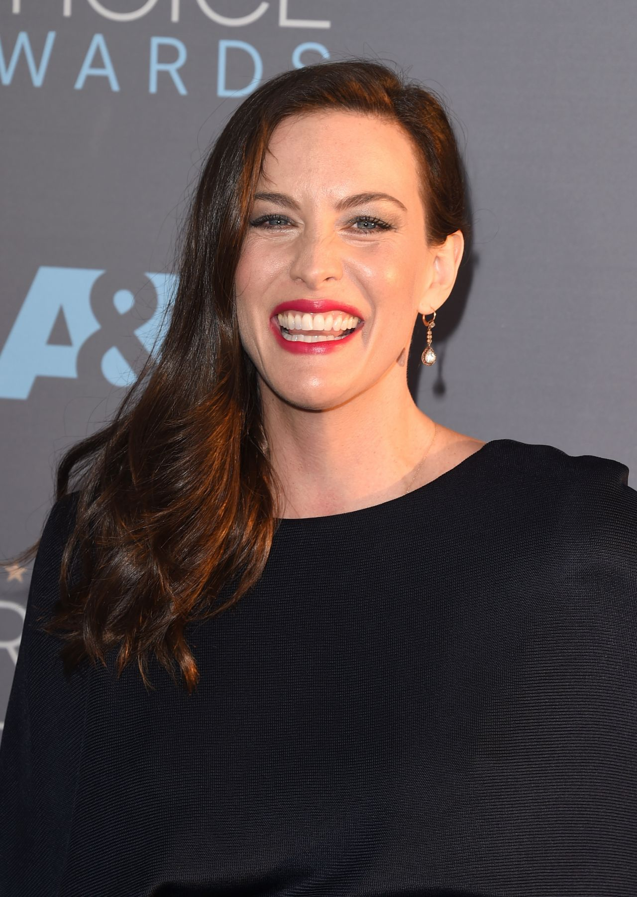 Liv Tyler on Red Carpet – 2016 Critics' Choice Awards in ... Liv Tyler