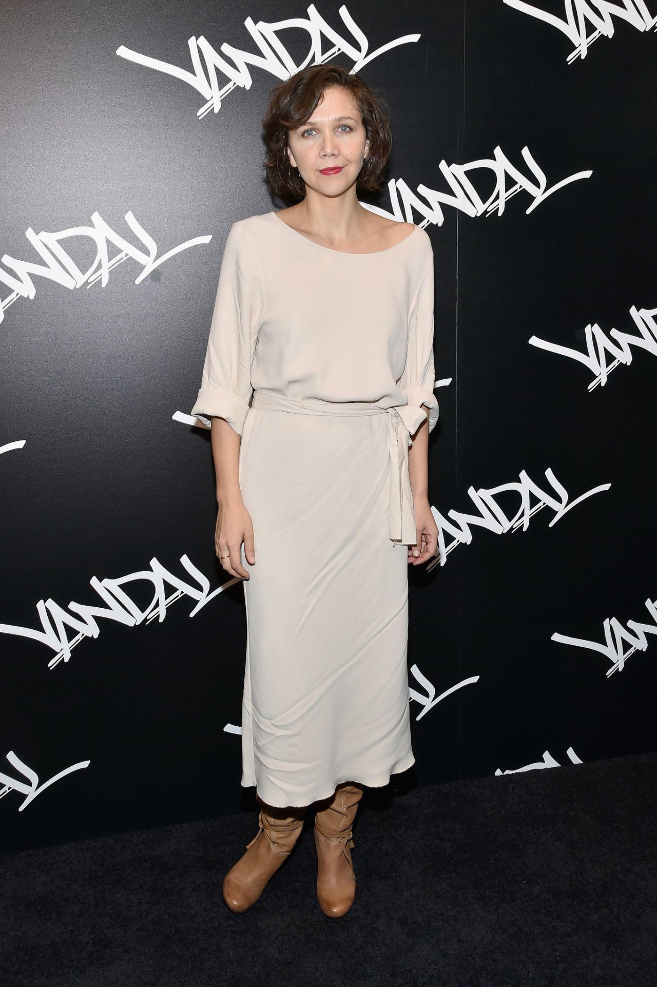Maggie Gyllenhaal – VANDAL Grand Opening in New York City 1/15/2016 Maggie Gyllenhaal