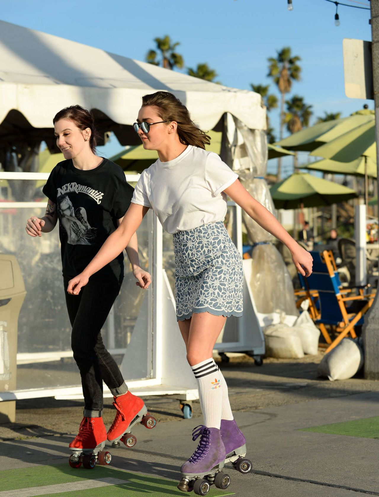 Roller skating kendall - Maisie Williams Roller Skating In Santa Monica January 2016