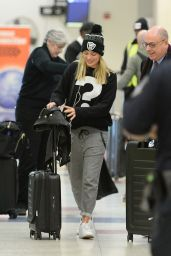 Margot Robbie - Arriving at JFK Airport in NYC 1/11/2016