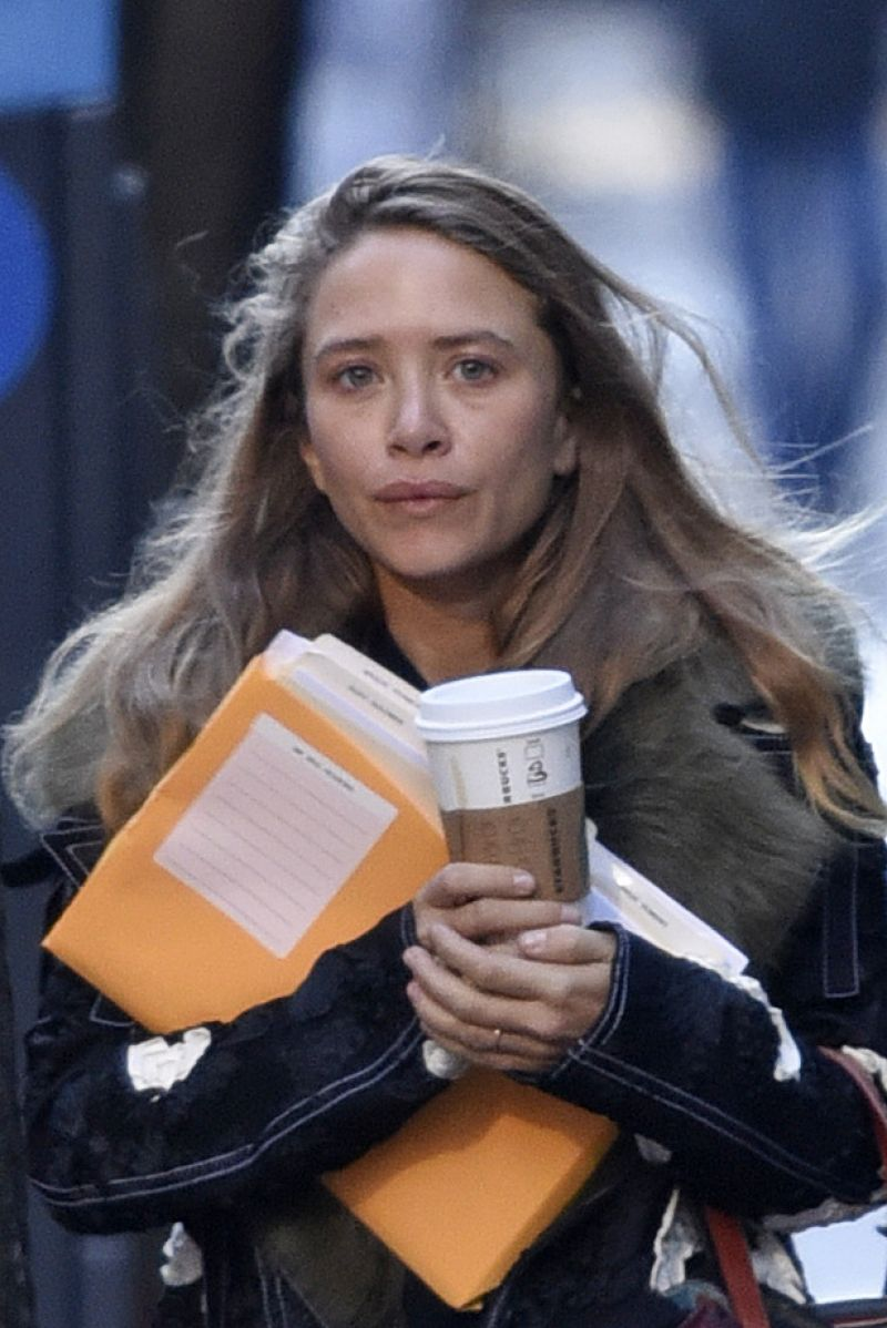 mary kate olsen out in new york city january 2016