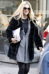 Michelle Hunziker Fashion - Out in Milan, January 2016