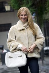 Michelle Hunziker Street Fashion - Out in Milan 1/28/2016