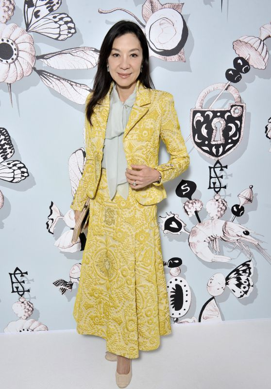 Michelle Yeoh – Schiaparelli Haute couture Spring/Summer 2016 Fashion Show in Paris