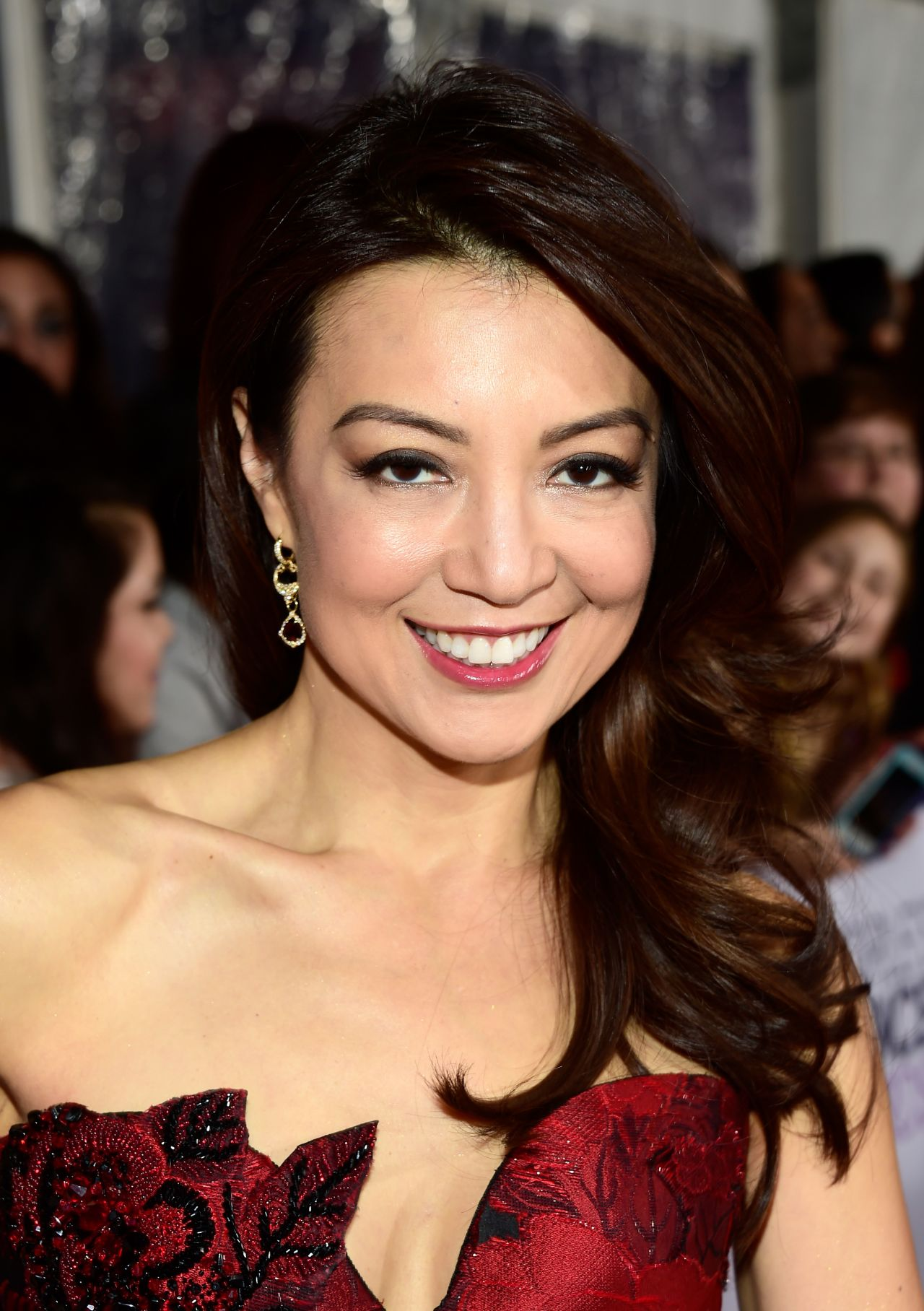 Ming-Na Wen – 2016 People's Choice Awards in Microsoft ...