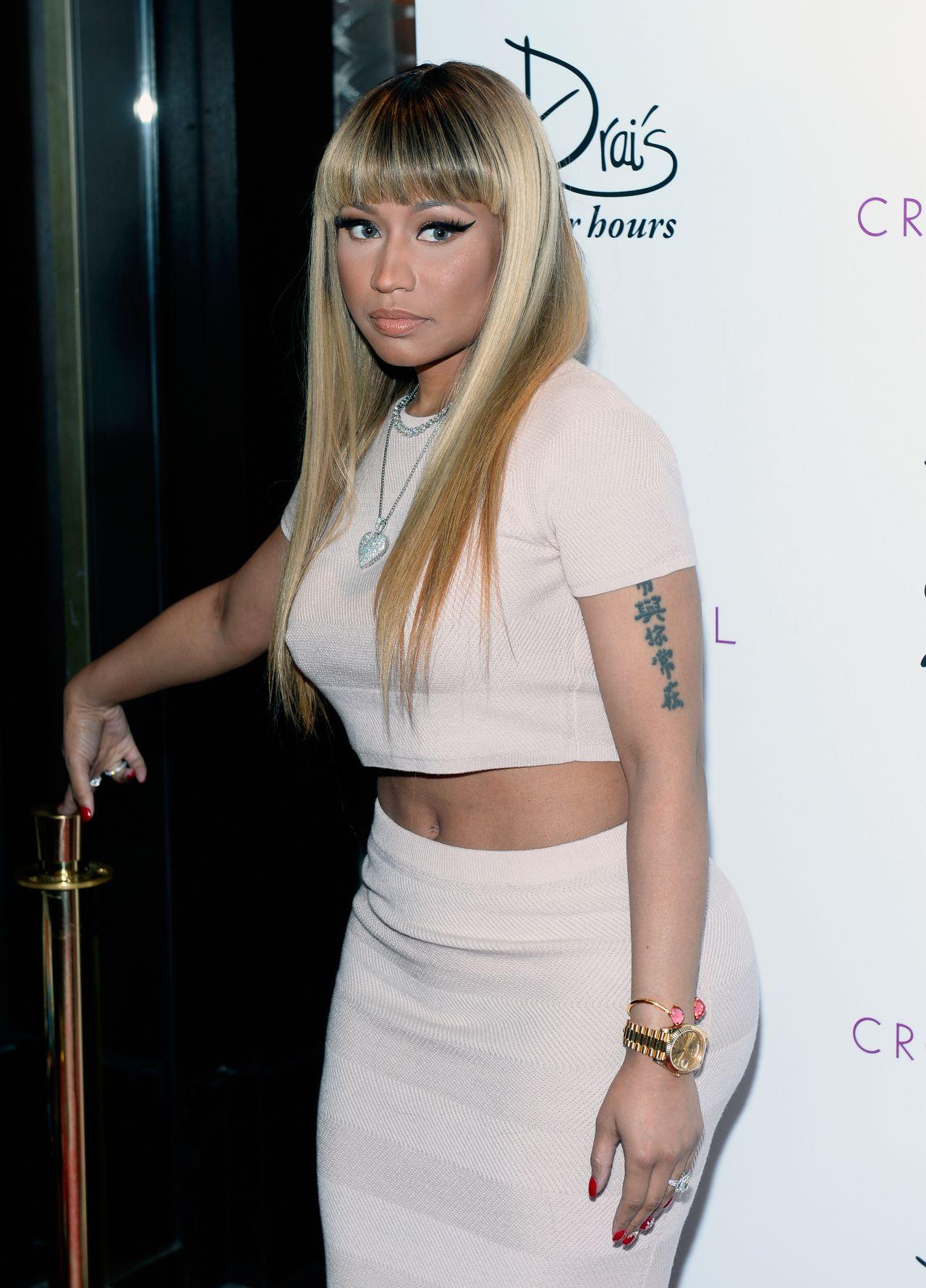 Nicki Minaj Celebrating The New Year At Drai S Nightclub