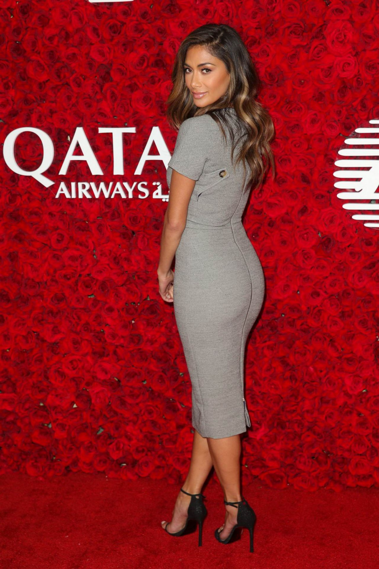 Nicole scherzinger qatar airways los angeles gala for Abbey brooks salon