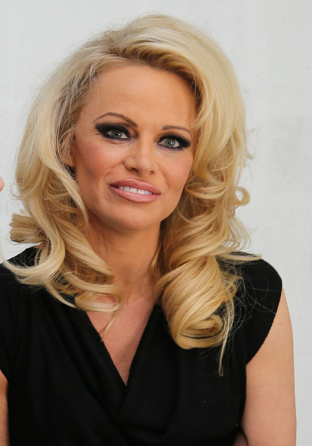 Pamela Anderson - 'Amelie Pichard X Pamela Anderson' Shoe Collection ...