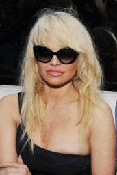 Pamela Anderson at Fifty Ultra Lounge at Viceroy Miami - 2016 New Year