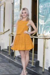 Pixie Lott - Breakfast At Tiffany